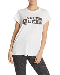 The Laundry Room Selfie Queen Rolling Tee - White