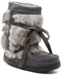 Manitobah Mukluks - Short Wrap Genuine Rabbit Fur Vibram Moccasin - Lyst