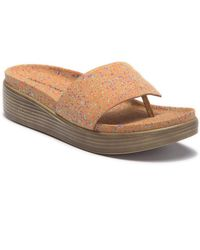 Donald J Pliner Fifi Hidden Thong Sandal - Brown
