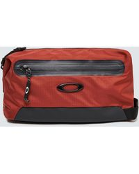 Oakley Outdoor Beauty Case - Red