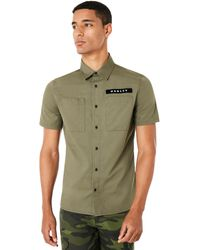 Oakley Dark Brush Icon Short Sleeve Shirt - Grün