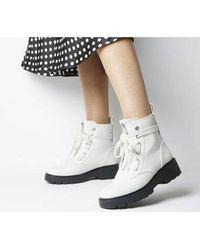 UGG Daren Hiker Boot - White