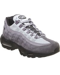 Trend Nike Air Max 95 Essential Trainer In Pale GreyWhite