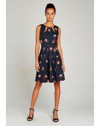 Apricot Druckkleid »Cut Out Neck Floral Polkadot Dress« mit Kellerfalten - Blau