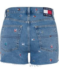 Tommy Hilfiger Shorts »HOT PANT DENIM SHORT GRTLB« mit allover Flag- & Logostickerei - Blau