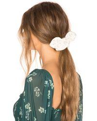 Lele Sadoughi - Pearl Scrunchie In Ivory. - Lyst