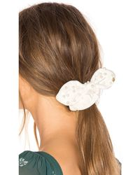 Lele Sadoughi Pearl Scrunchie В Цвете Светло-бежевый - Белый