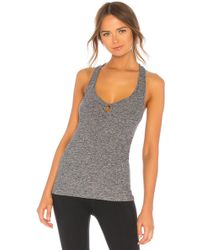 Beyond Yoga - So Twisted Tank In Grey - Lyst