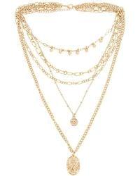 Amber Sceats Ожерелье Layered Coin В Цвете Золотой - Металлик
