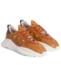 Roberto Cavalli V1per Sneakers mit Schlangen-Print - Orange