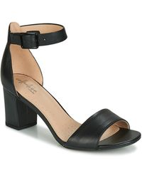Clarks Deva Mae Leather Block Heeled Sandals - Black