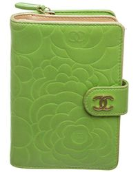 Chanel Green Camellia Leather Midsize Wallet