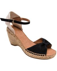 Andre Assous - Laetia Wedge Sandal - Lyst
