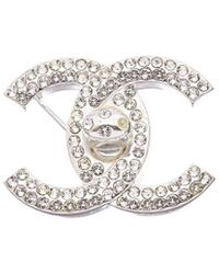 Chanel Silver-tone Large Crystal Turnlock Cc Pin - Metallic