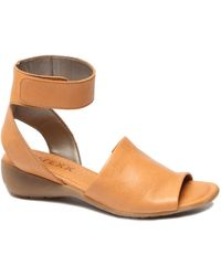 The Flexx The Beglad Leather Wedge Sandal - Brown