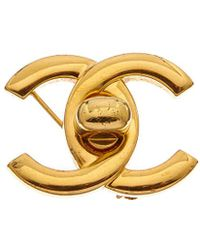 Chanel - Gold-tone Turnlock Pin - Lyst