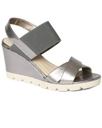 The Flexx The Get Over It Wedge Sandal - Gray