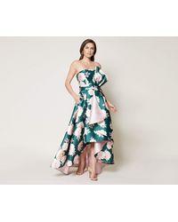769cfc466af Lyst - Alice + Olivia Mia Deep V-Back Lace Gown in Black