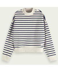 Scotch & Soda Oversize-Sweatshirt mit Bretonstreifen in Bio-Qualität - Grau