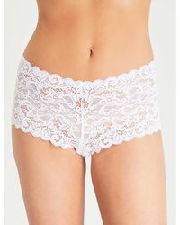 Hanro - Women's Black Floral Moments Stretch-lace Maxi Briefs - Lyst
