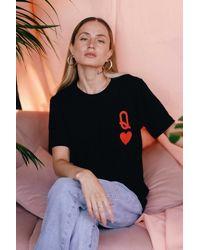 SHOP MĒKO Queen Of Hearts Graphic Tee - Black
