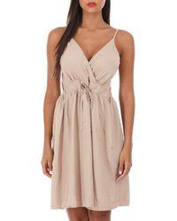 La Modeuse - Robe courte Robe beige à col cache coeur - Lyst