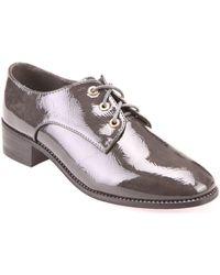 La Modeuse Derbies vernis gris à talon carré Chaussures