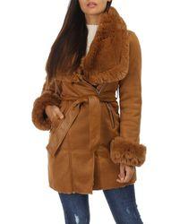 La Modeuse Manteau Manteau camel en suédine et fourrure à zips - Marron