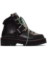 Versace ブラック カーフスキン バックル ブーツ