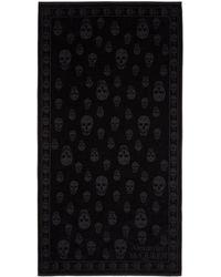 Alexander McQueen - Black Skulls Towel - Lyst