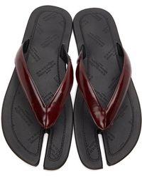 Maison Margiela - Burgundy Patent Tabi Flip Flops - Lyst