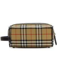 40f4732ea675 Burberry Grainy Leather Washbag in Green - Lyst
