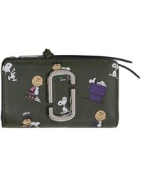 Marc Jacobs Peanuts エディション グリーン The Snapshot Snoopy コンパクト ウォレット