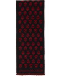 Alexander McQueen Foulard noir et rouge Skull