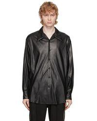 Sasquatchfabrix. ブラック フェイクレザー オープン カラー シャツ