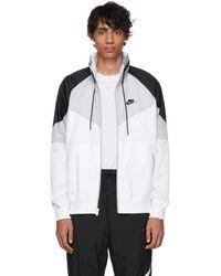 acheter en ligne 8905b 360e4 Blouson gris et blanc Sportswear Windrunner