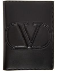 Valentino Garavani コレクション ブラック Vlogo パスポート ホルダー