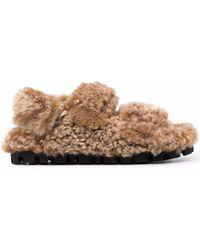 Miu Miu Slingback-Sandalen aus Shearling - Braun