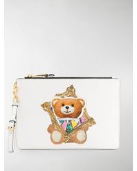 Moschino Frame Teddy Bear Print Clutch - White