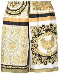Versace Kurze Shorts mit Barocco Mosaic-Print - Gelb
