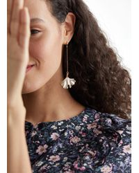& Other Stories Ginkgo Leaf Hanging Earrings - Metallic