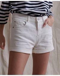 Superdry Pantalones cortos de estilo boyfriend Steph - Blanco