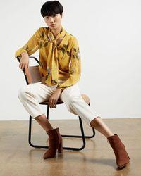 Ted Baker Blusa Lazada En Cuello Estampado Savanna - Amarillo