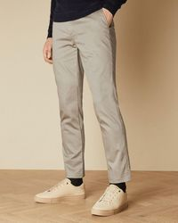 Ted Baker Chino-hose In Slim-fit Mit Satin-finish - Natur