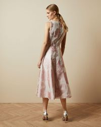 Ted Baker Vestido Midi Floral Sin Mangas - Rosa