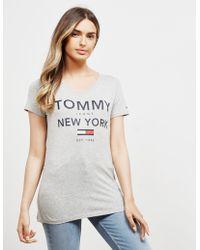 Tommy Hilfiger - Essential Ny Flag Short Sleeve T-shirt Grey - Lyst