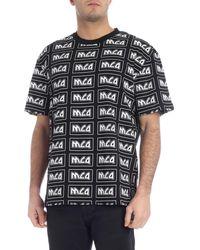 McQ T-Shirt Nera Con Stampa Mcq All Over - Nero