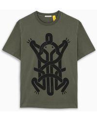 5 MONCLER CRAIG GREEN T-shirt grigia con stampa rana - Grigio