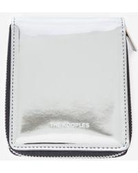 The Kooples Silberne Lederbörse mit Reißverschlussdetail - Mettallic