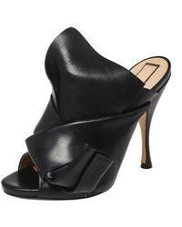 N°21 Black Leather Ronny Pleated Mule Sandals